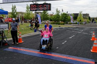 5-Gray Godess crossing the finish line