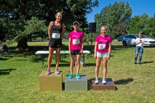 7-Saige 5-mi podium